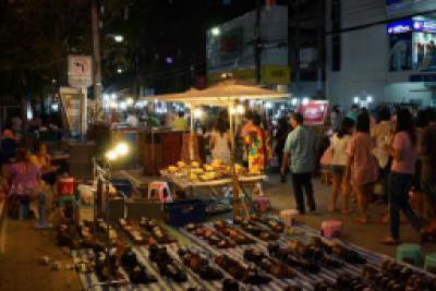 Walking Street Market Chiang Rai